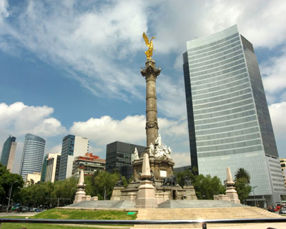 Paseo de la Reforma - Angel of Independence - Torre Mayor Mariachi