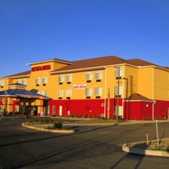 Bay Inn And Suites Foley