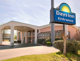 Tuscaloosa Days Inn Suites University Of Alabama