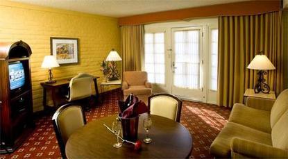 Embassy Suites Hotel Tucson Broadway