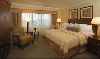 Radisson Suites Hotel Tucson Airport