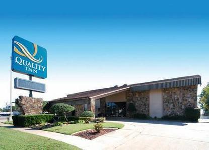 Quality Inn Magnolia