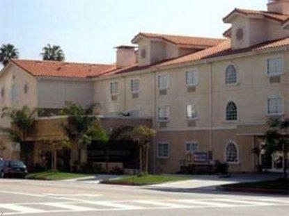 Best Western Media Center Inn & Suites
