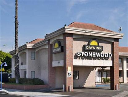 Days Inn Stonewood Lodge