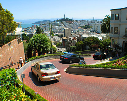 لومبارد استریت - Lombard Street is San Francisco's Crookedest Street