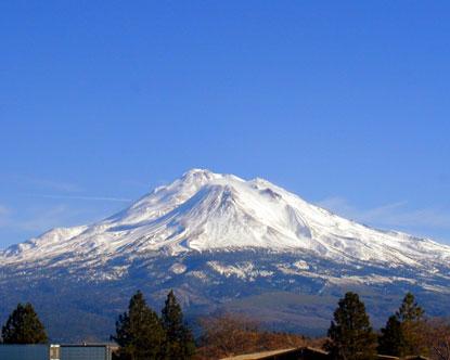 Mountains in California, Mount Shasta California, The USS Mount ...