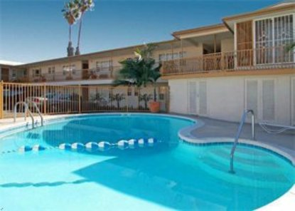 Econolodge Inn And Suites West Hollywood