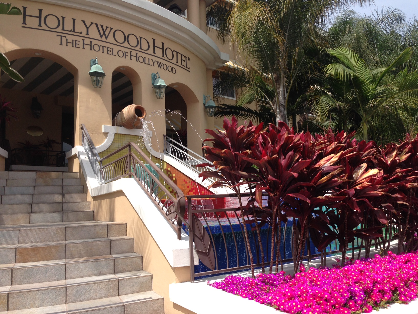 Hollywood Hotel — The Hotel of Hollywood near Universal Studios
