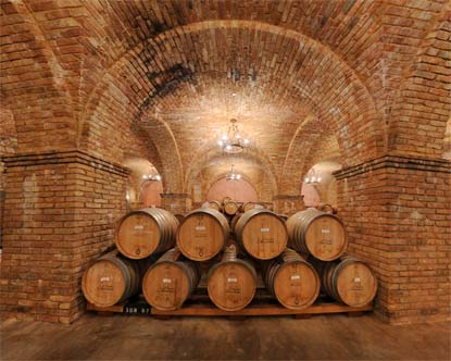 Napa Valley Hotels >> Castello di Amorosa Wine Cave - Napa Valley Wine Caves