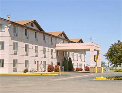 Super 8 Motel Henderson /Northeast/Denver Area