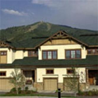 Eagleridge Lodge & Townhomes