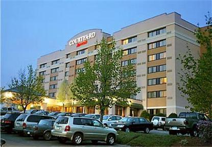 Courtyard By Marriott Shelton