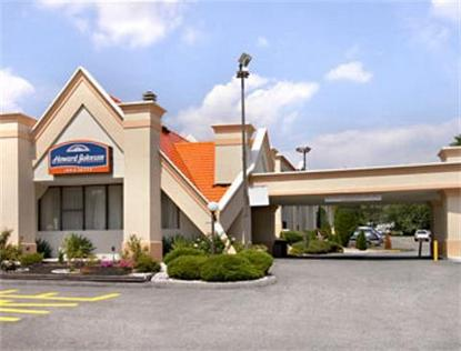 Howard Johnson Hotel Inn And Suites