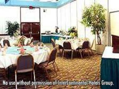 Holiday Inn Select St. Petersburg Airport