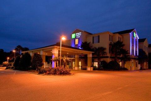 Holiday Inn Express Hotel & Suites Destin (Mid Bay Bridge)