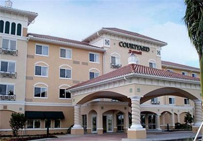 Courtyard Fort Myers At I 75 And Gulf Coast Town Center