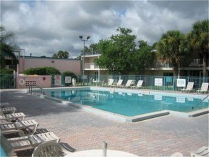 Suites At Old Town Kissimmee Deals See Hotel Photos