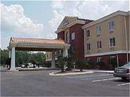 Holiday Inn Express Hotel And Suites Live Oak