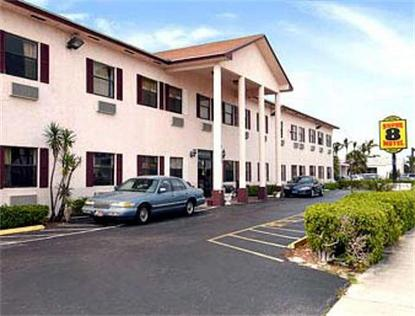 Super 8 Motel   Pompano Beach