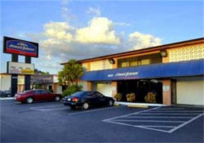 Howard Johnson Hotel   Tampa Near  Airport Stadium