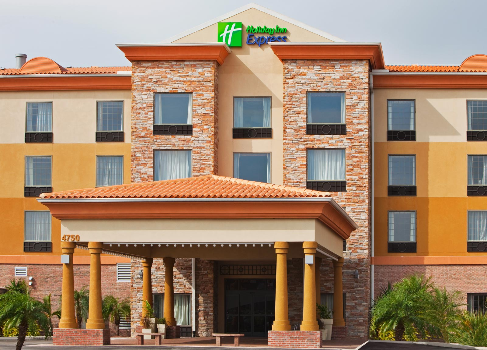 Holiday Inn Express Tampa Stadium Airport Area