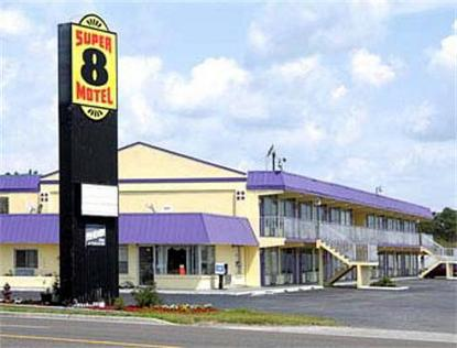 Super 8 Motel   Wildwood