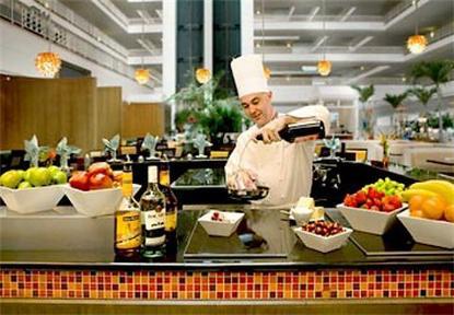 Renaissance Concourse Hotel Atlanta Airport