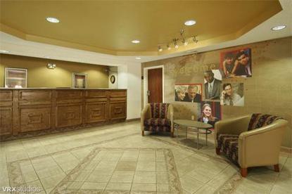 Red Roof Inn And Suites Savannah