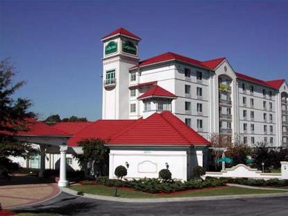 La Quinta Atlanta Paces Ferry Inn And Suites