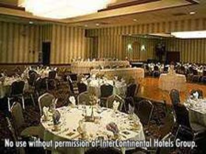Holiday Inn Hotel And Suites Chicago Carol Stream
