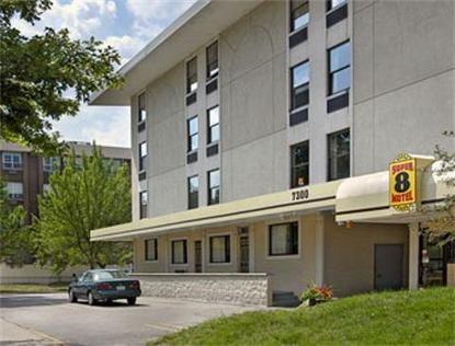 Super 8 Motel Chicago Loyola University