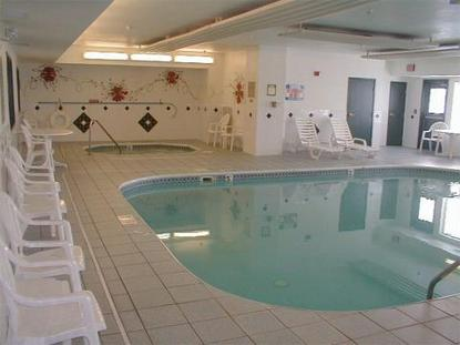 Country Inn And Suites Galesburg