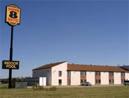 Super 8 Motel   Marshall