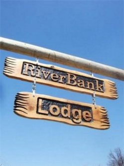 Riverbank Lodge