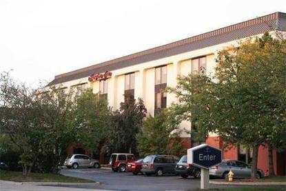 Hampton Inn Chicago Westchester Oak Brook Westchester Deals See Hotel Photos Attractions