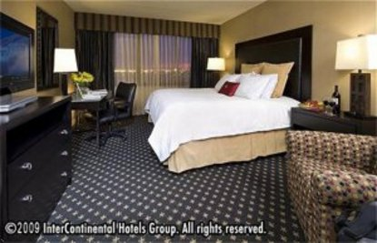 Holiday Inn Select Indianapolis Airport