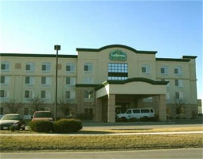 La Quinta Inn & Suites Omaha Airport   Carter Lake
