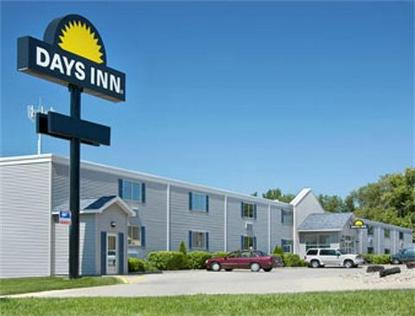 Days Inn Cedar Falls  University Plaza