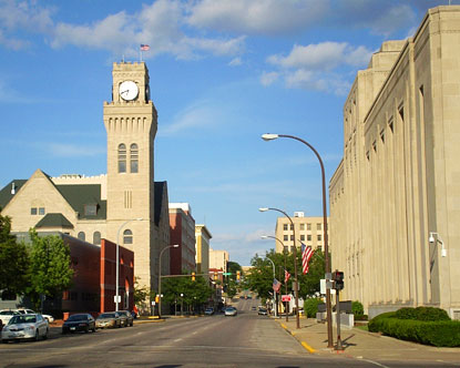 Sioux City is located in northwestern Iowa, very near the state borders of