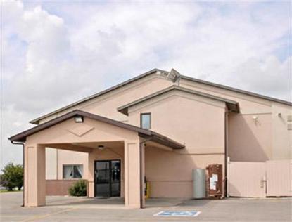 Super 8 Motel   Osceola