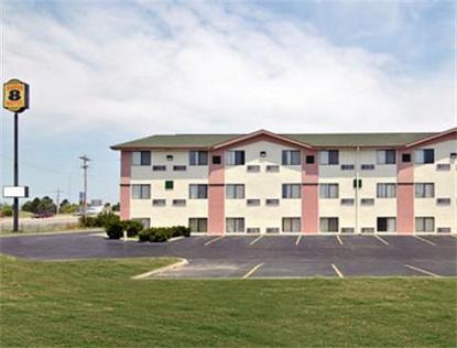 Super 8 Motel   Topeka Wanamaker