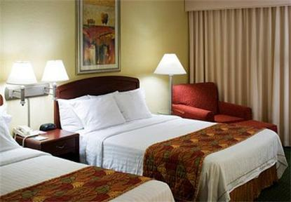 Courtyard By Marriott Wichita