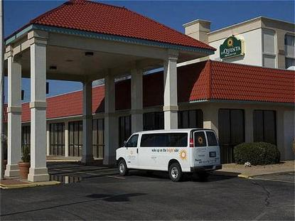 La Quinta Inn And Suites Wichita Airport