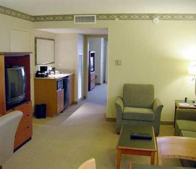 Embassy Suites Hotel Louisville, Louisville Deals - See Hotel Photos ...
