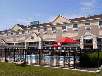 Quality inn suites maine evergreen hotel augusta deals for Super 8 freeport maine