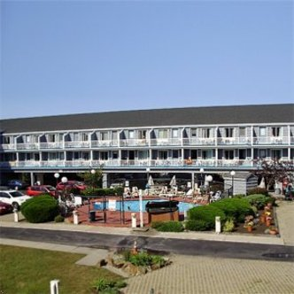 grand beach inn old orchard beach deals see hotel. Black Bedroom Furniture Sets. Home Design Ideas