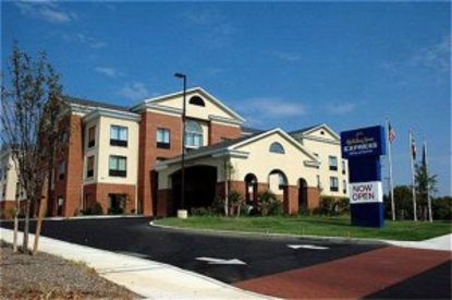 holiday inn express hotel suites chestertown. Black Bedroom Furniture Sets. Home Design Ideas