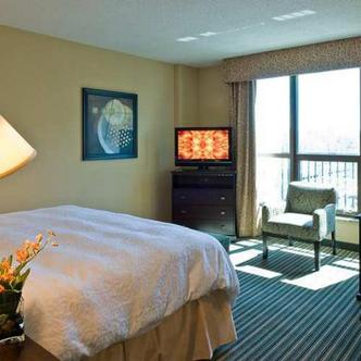 Hampton Inn & Suites National Harbor Oxon Hill