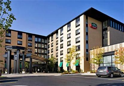 Courtyard By Marriott South Boston