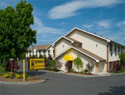 Super 8 Motel   Greenfield